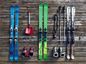 Ski auf Holz